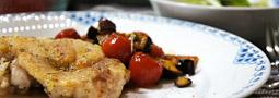 かめ代さんのレシピの夕御飯「チキンのハーブ焼き!茄子とプチトマトのソース」