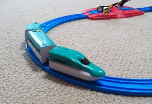新幹線 E5系 はやぶさを