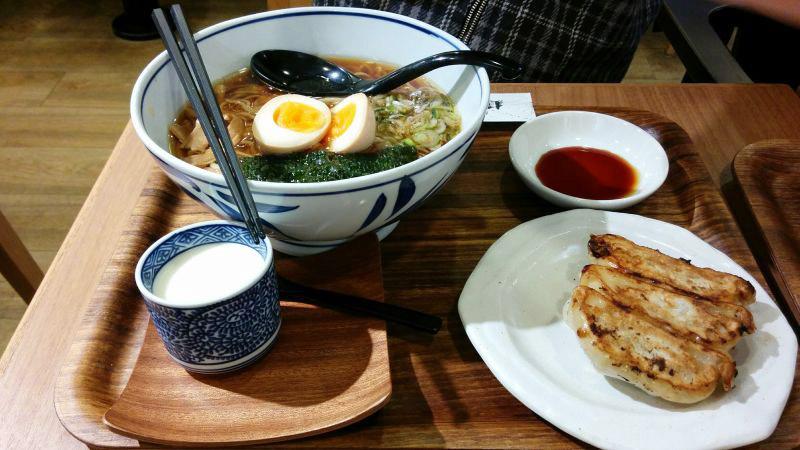 直久セット(醤油らーめん+餃子+杏仁豆腐)
