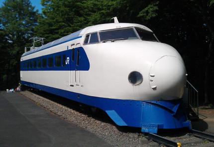 実際に動いていた新幹線の展示