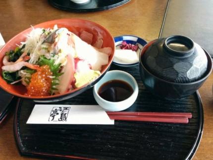 海鮮丼(1,500円)