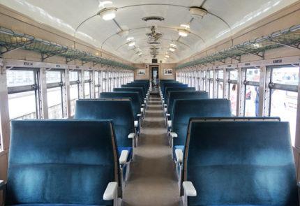 蒸気機関車の客車の中はこんな感じ!