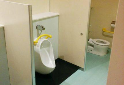 子ども用のトイレも中に隣接