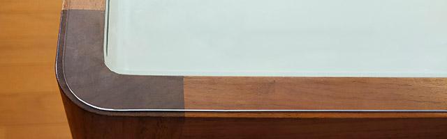 テーブルマットのカットは100均グッズで。角丸は瓶の蓋で!?