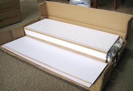BOXは自分で組み立て式