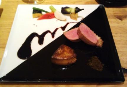 メイン料理の鴨とフォアグラ