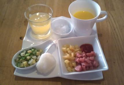 息子の朝食