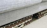 ソファーの下のスペースを有効活用!